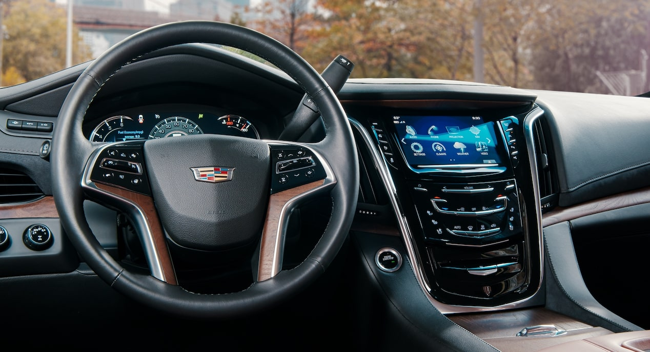 Escalade Steering Wheel and Infotainment
