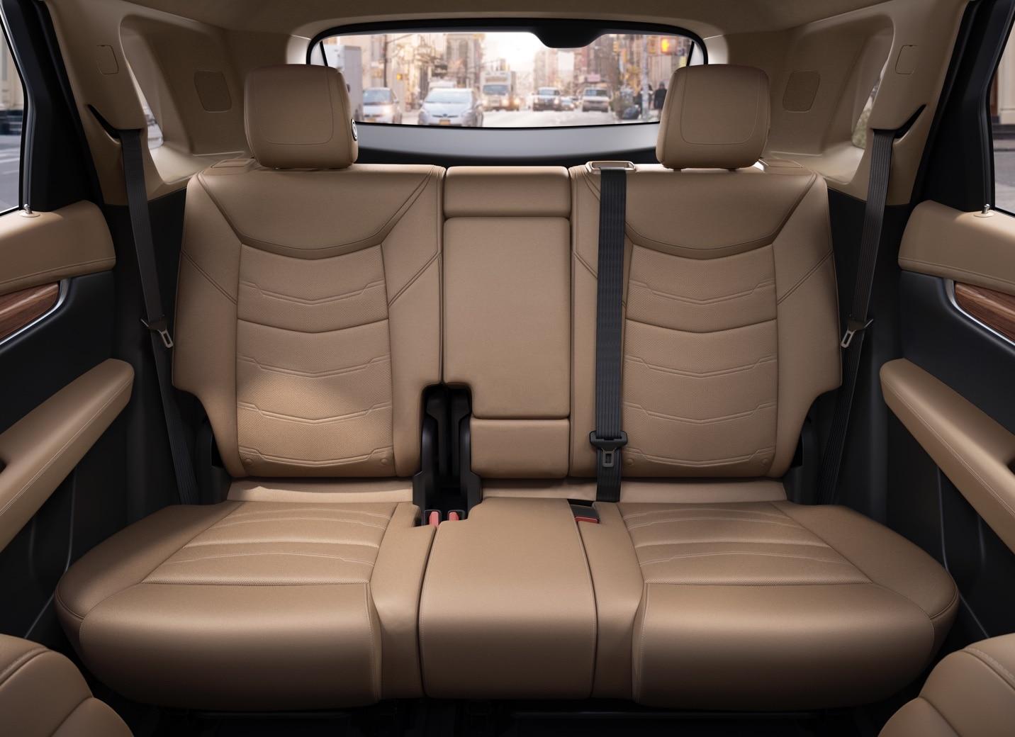 Nice XT5 Crossover Backseats