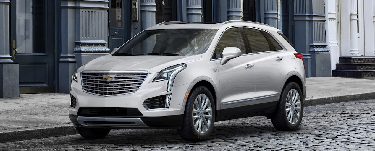 XT5 Crossover Exterior in Crystal White Tricoat