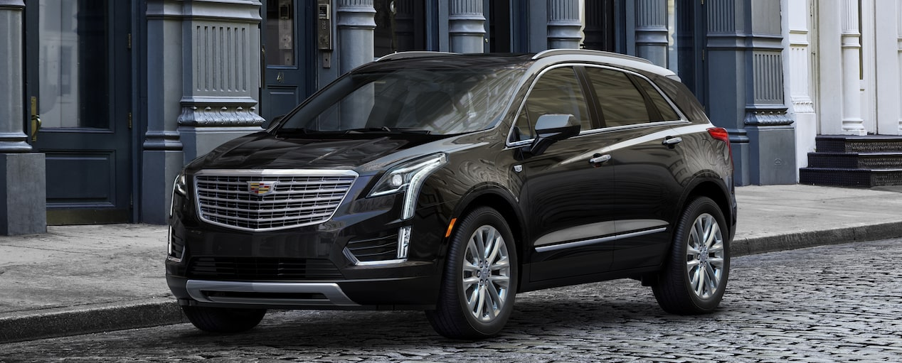 XT5 Crossover Exterior in Stellar Black Metallic