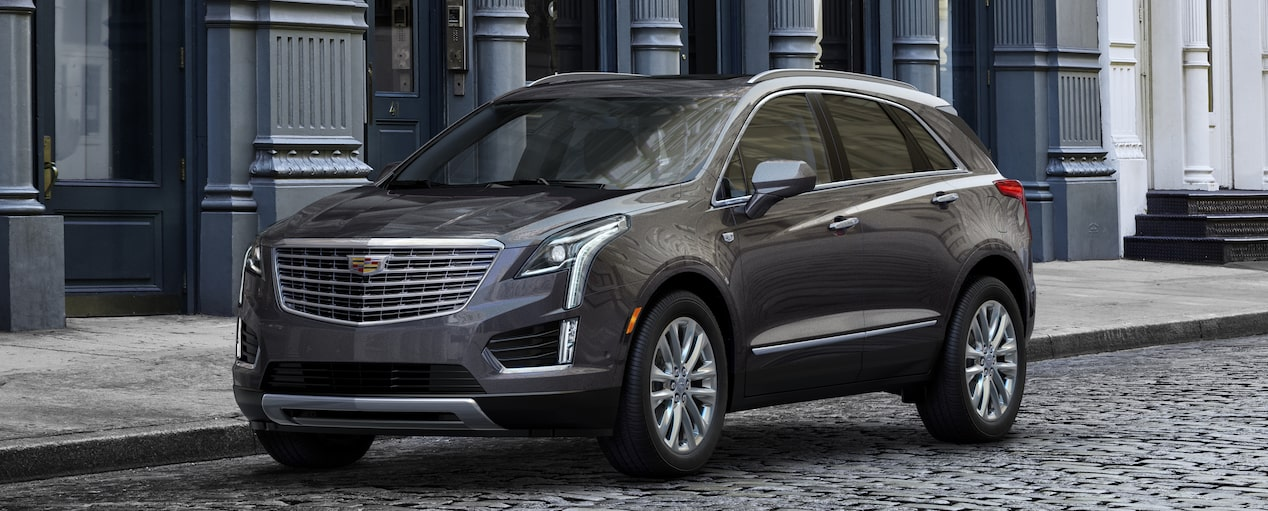 XT5 Crossover Exterior in Dark Granite Metallic