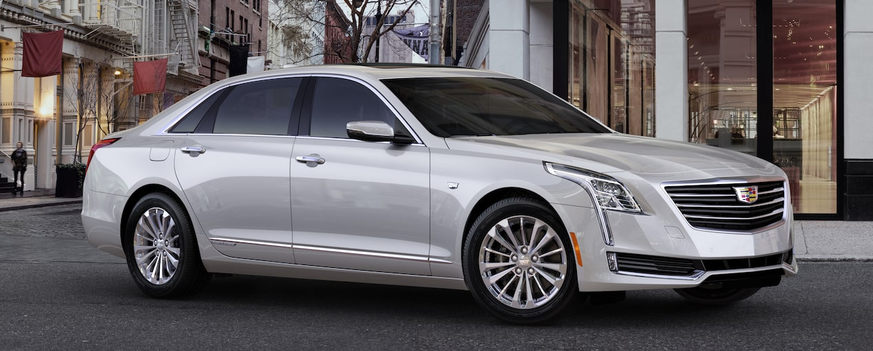 CT6 Plug-In Exterior in Crystal White Tricoat