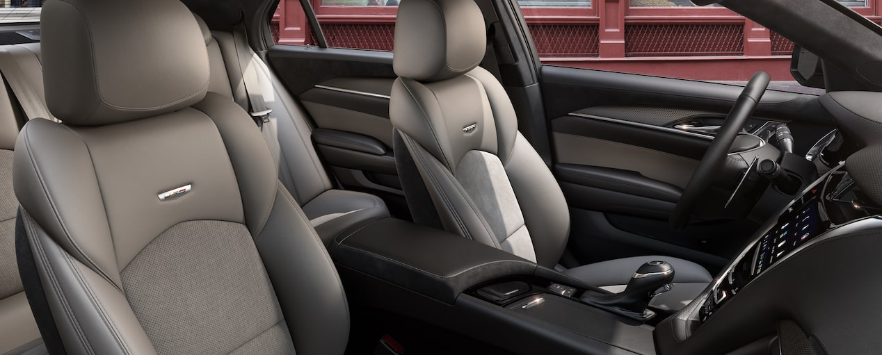 CST-V Front Seats in Light Platinum Semi-Aniline with Jet Black
