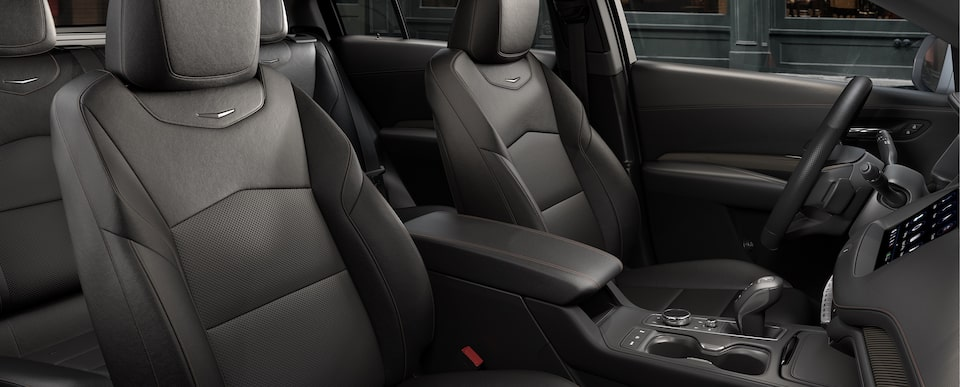XT4 Crossover Seats in Jet Black with Cinnamon