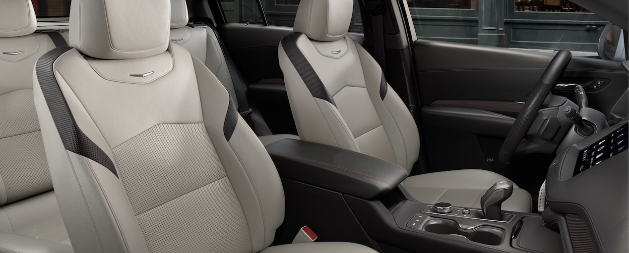 XT4 Crossover Seats in Light Wheat Jet Black with Red
