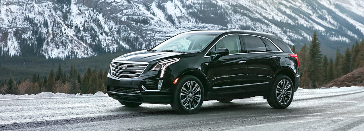 2019 Cadillac XT5 Crossover Front Side Exterior in Stellar Black Metallic