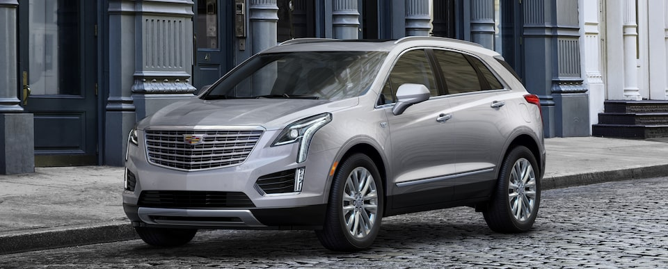 XT5 Crossover Exterior in Radiant Silver Metallic