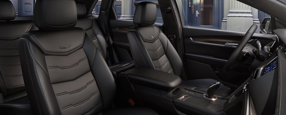 XT5 Crossover Seats in Jet Black