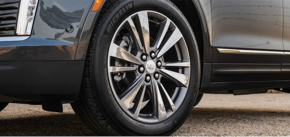 Cadillac XT5 Crossover visionary wheels