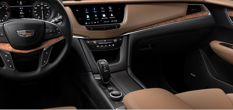 Cadillac XT5 Crossover user experience front