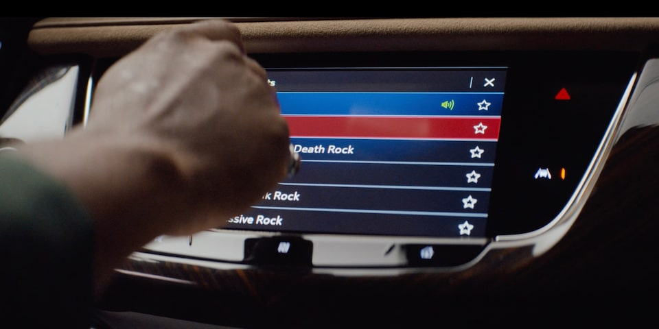 Cadillac XT6 Full Size SUV touch screen display