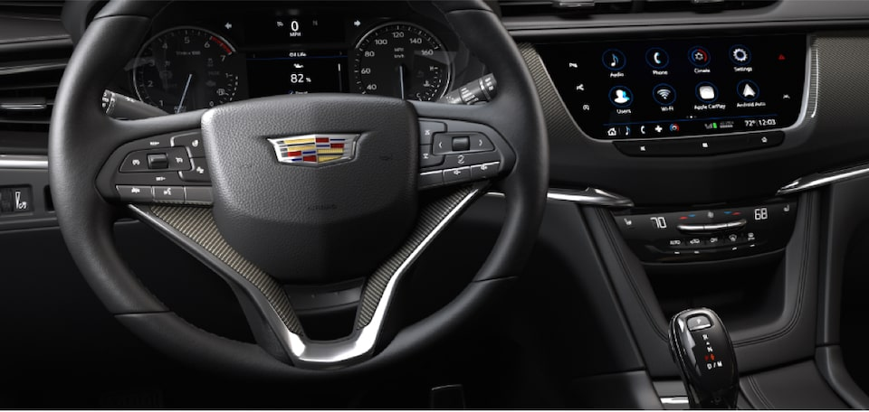 2020 Cadillac XT6 drive modes displayed by vehicle in motion